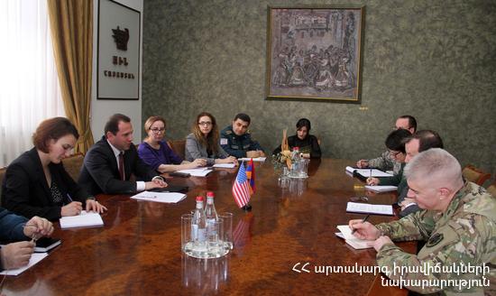 Посол США посетил МЧС Армении