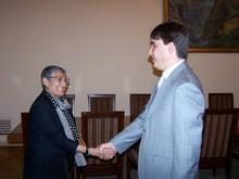 Вице-премьер-министр РАпринял руководителя ереванского офиса АМР США