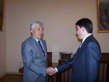 А. Геворкян и Т. Чанчунь обсудили вопрос реализации договоренностей, достигнутых в ходе визита вице-премьер-министра в Китай
