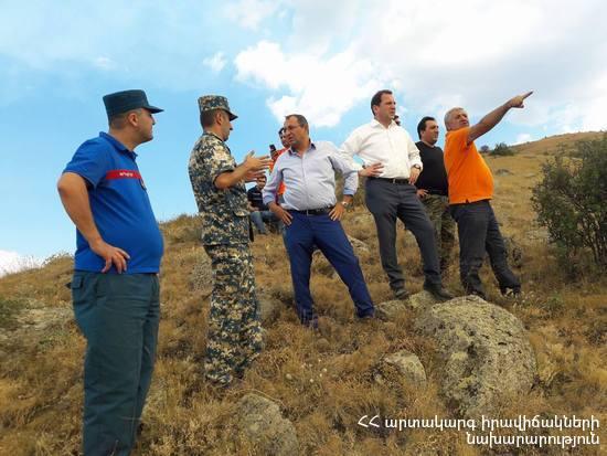 Площадь пожара в Вайоцдзорской области Армении растет, на месте происшествия находятся глава МЧС и министр охраны природы