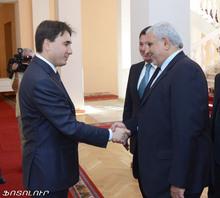 Вице-премьер-министр РА принял вице-президента ИРИ