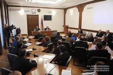 Президент Серж Саргсян провел совещание в Министерстве территориального управления
