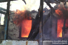 Домик полностью сгорел