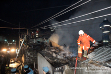 The rescuers extinguished the fire broken on the roof of a barn: there were no casualties
