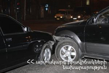 The rescuers closed the gas valve of a car