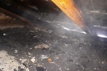 Пожарные-спасатели потушили пожар, вспыхнувший на крыше дома: пострадавших нет