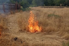 Пожарные-спасатели потушили пожары на травяных участках
