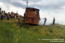 A trailer-home burnt down in Azatavan village
