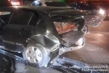 На проспекте Исакова столкнулись автомобили: есть пострадавшие