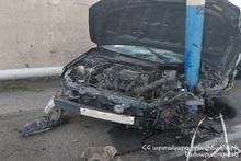 Автомобиль врезался в электрический столб: пострадавших нет