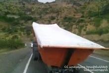 Прицеп сорвался с грузовика