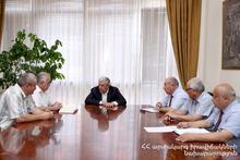 Feliks Tsolakyan met Veterans