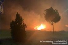 Пожарные-спасатели потушили пожары на травяных участках около 4.40 га