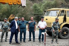 Minister visited the injured rescuers and checked the accident recovery process