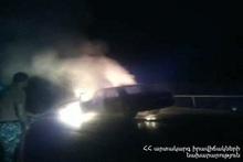 Сгорела моторная часть и салон автомобиля