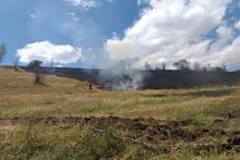 Пожарные-спасатели потушили 19 пожаров на травяных участках около 9.5 га с участием 21 пожарно-спасательного отряда