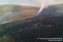 Сгорело около 20 га травяного участка