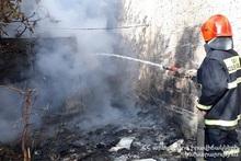 Пожарные-спасатели потушили пожар, вспыхнувший в киоске: пострадавших нет