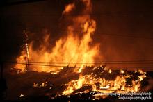 Пожарные-спасатели потушили пожар, вспыхнувший на крыше: пострадавших нет