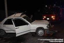 Автомобиль врезался в придорожный барьер: пострадавших нет