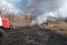 Firefighters extinguished fire broken out in grasslands with a total area of about 17.1 ha