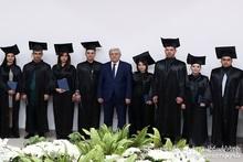Министр по ЧС вручил дипломы выпускникам