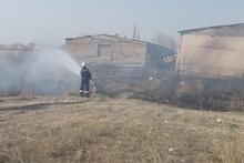 Пожарные-спасатели потушили пожары на травяных участках общей площадью около 39.2 га