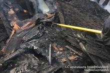 Спасатели потушили вспыхнувший в деревянном домике пожар