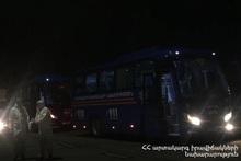 Граждане доставлены в места изоляции на автобусах МЧС