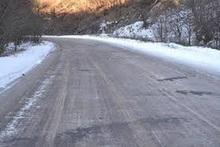 ՀՀ տարածքում ավտոճանապարհները հիմնականում անցանելի են. Վարդենյաց լեռնանցքը փակ է բոլոր տեսակի տրանսպորտային միջոցների համար