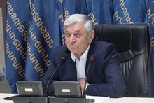 «Проявляйте профессиональный и сердобольный подход»: министр по ЧС РА провел совещание