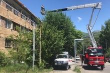 Спасатели демонтировали решетки