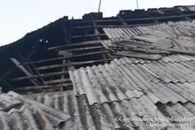 Пожар на крыше дома