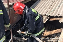 Constructions of the roof of the house burnt