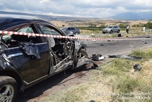 Car crashed into the guardrail: there was a casualty