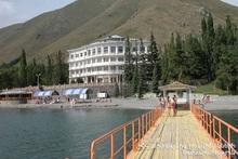 Водные-спасатели вытащили гражданина из озера Севан