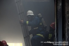 Firefighters prevented the spreading of the fire to the houses located nearby