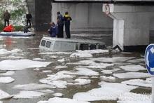 Спасатели задействовали резиновые лодки и более десятка пожарных машин в городе Гюмри