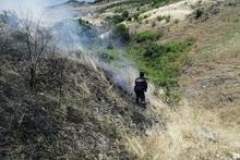 Пожарные-спасатели потушили пожары на травяных участках общей площадью около 6.8 га