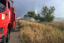 Пожарные-спасатели потушили пожары на травяных участках общей площадью около 7.2 га