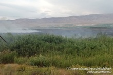 Сгорело около 30 га травяного покрова