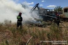Пожар в селе Мясникян: сгорелл тюки сена