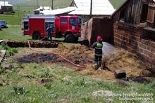 Пожар в селе Азатаван: сгорело 200 тюков сена