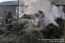About 600 bales of hay burnt