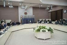 Премьер-министр представил новоназначенного министра по чрезвычайным ситуациям