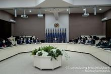 Андраник Пилоян провел первое рабочее совещание