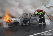 Car burnt: there were casualties