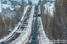 В Армении есть закрытые автодороги: автодорога Степанцминда-Ларс открыта только для пассажирских транспортных средств