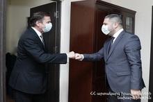 Армен Памбухчян и атташе по внутренней безопасности посольства Франции Эрве Жамен обсудили программы сотрудничества