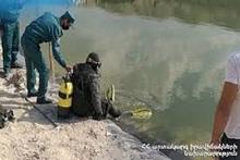Водные-спасатели вытащили тело утонувшего гражданина из воды
